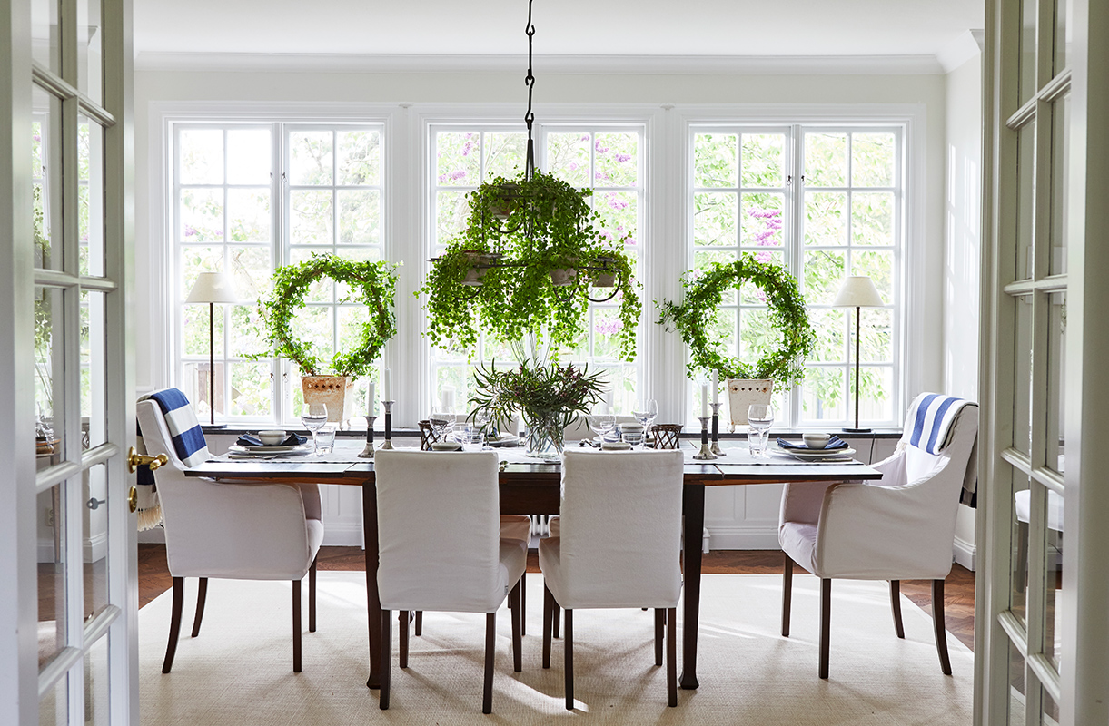 A Calm Color Palette in the Dining Room