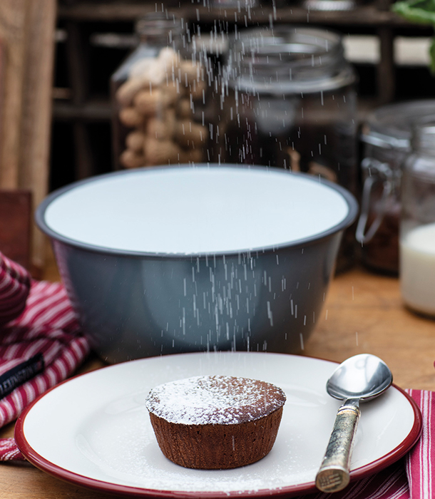 Get our chocolate fondant recipe that'll make your guests beg for seconds.