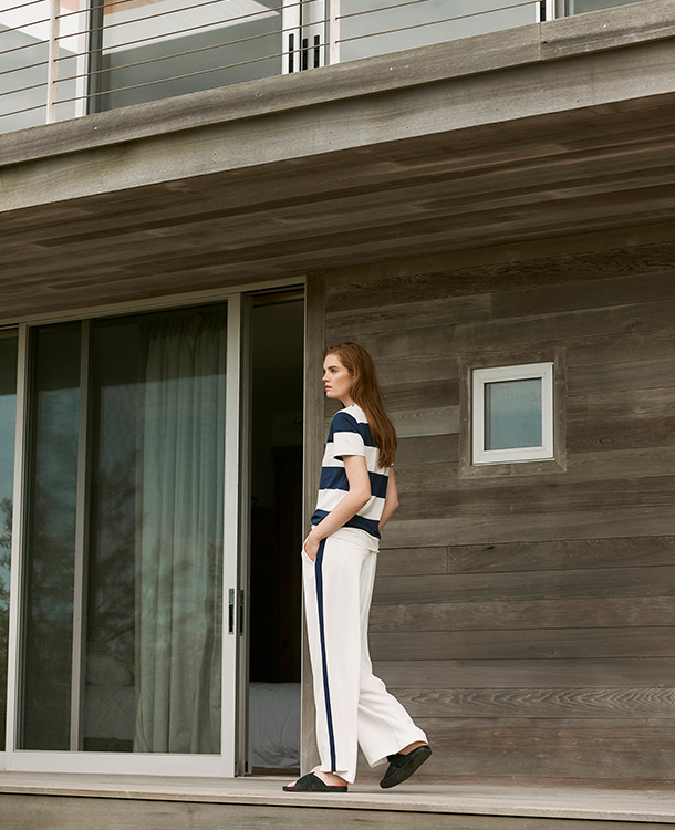 The fashionable Celine pants make it simple to achieve a sporty look that is elegant enough for work. It has a fluid drape and silky movement making it extremly feminine. It's the perfect American Look.