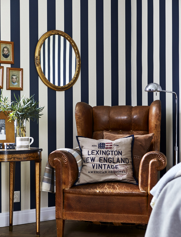 "Here, Kristina Lindhe, founder and CEO of Lexington Company, chose the classic, but modern, broad block stripe, Dan. The wallpaper takes its name from American author Dan Brown, who wrote ""The Da Vinci Code,"" among others."