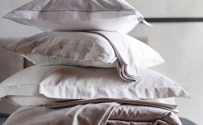 Hotel Percale White/Lt Beige Pillowcase