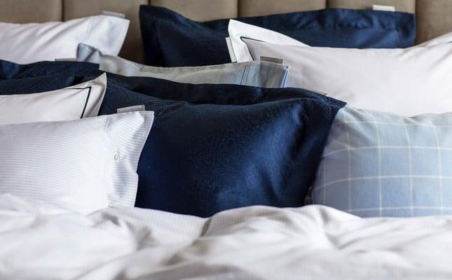 Hotel Percale White/Blue Pillowcase