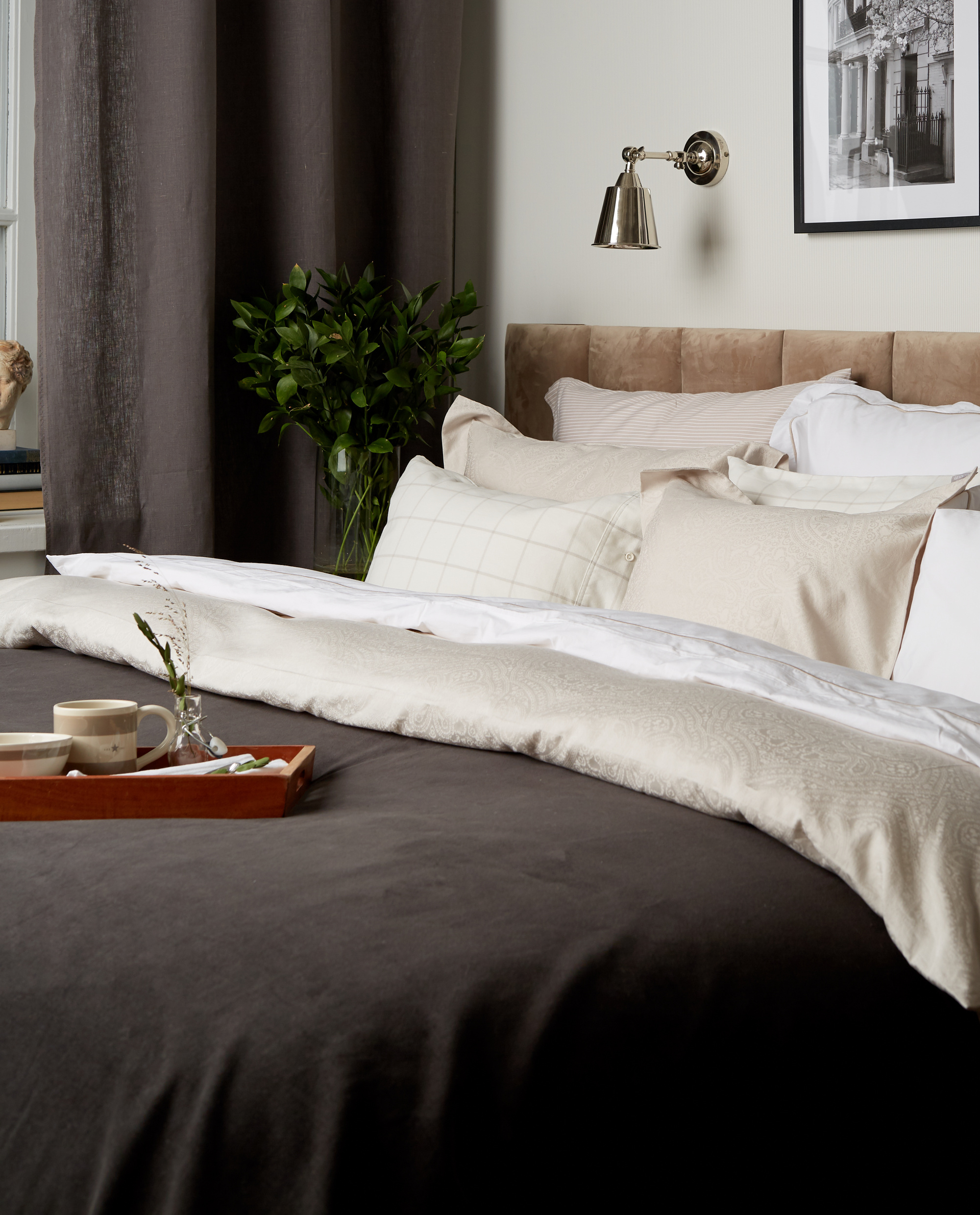 Hotel Velvet Bedspread Dk. Gray