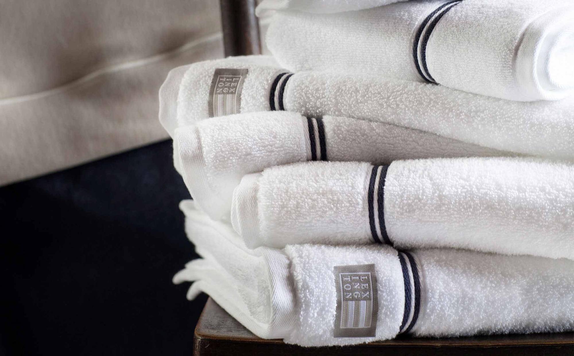 Lexington Hotel Towel White/Blue