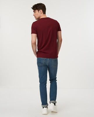 Simon Tee, Dark Red
