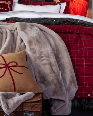 Holiday Faux Fur Blanket, Beige
