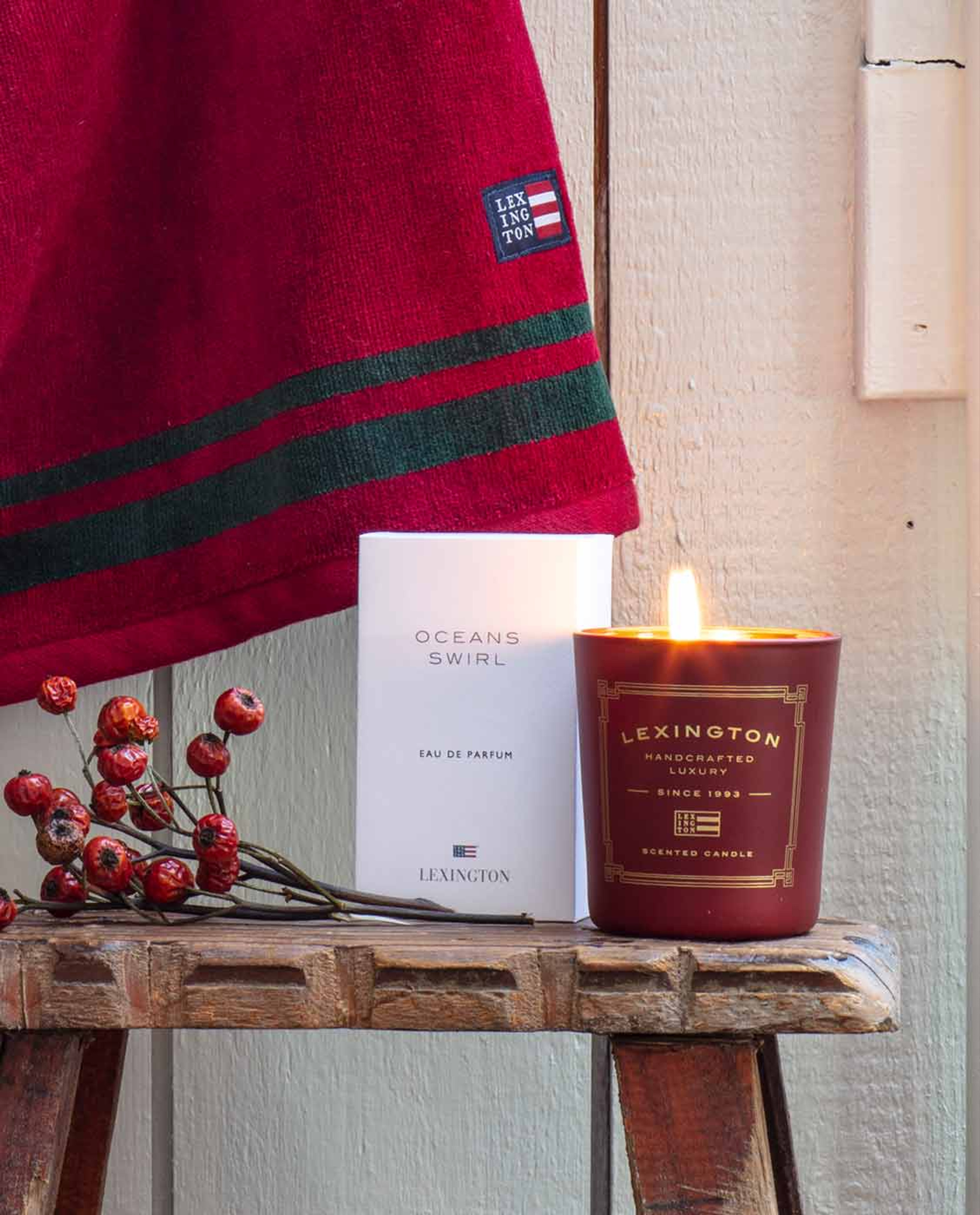 Scented Holiday Candle, Red/Apple & Cinnamon