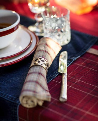 Holiday Brass Napkin Ring