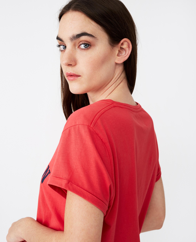 Vanessa Tee, Red