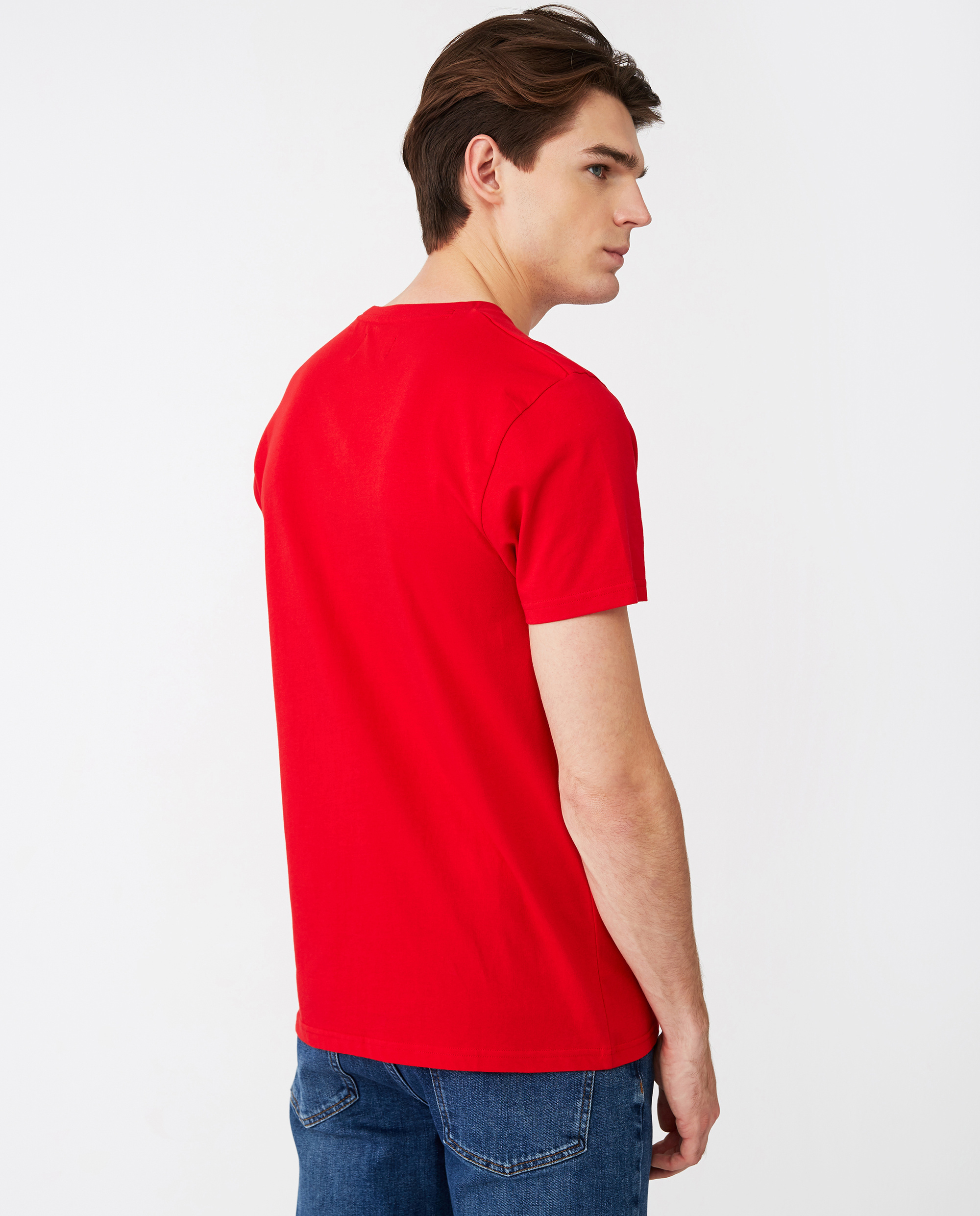Justin Tee, Red