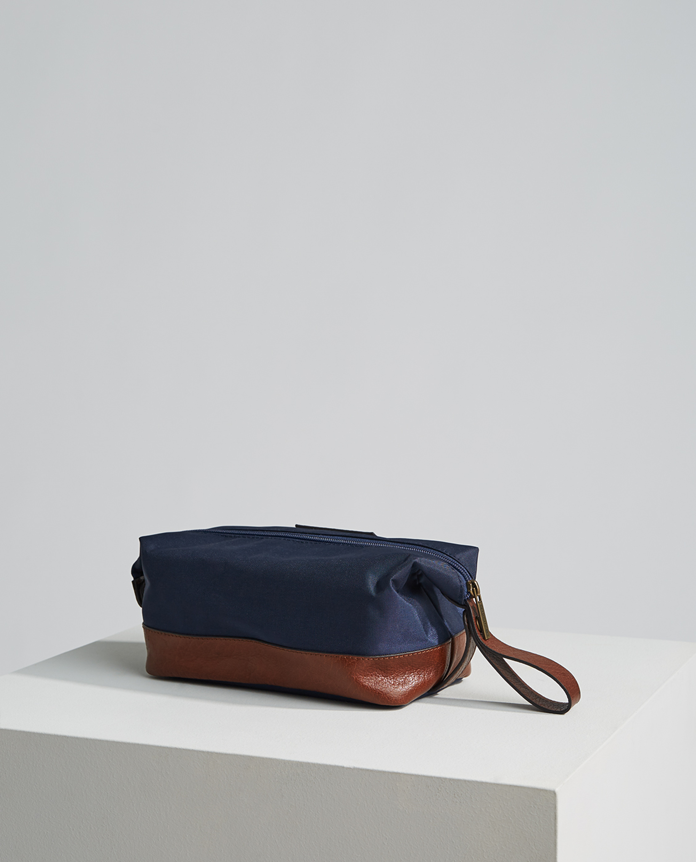 Darby Toilet Bag, Dark Blue