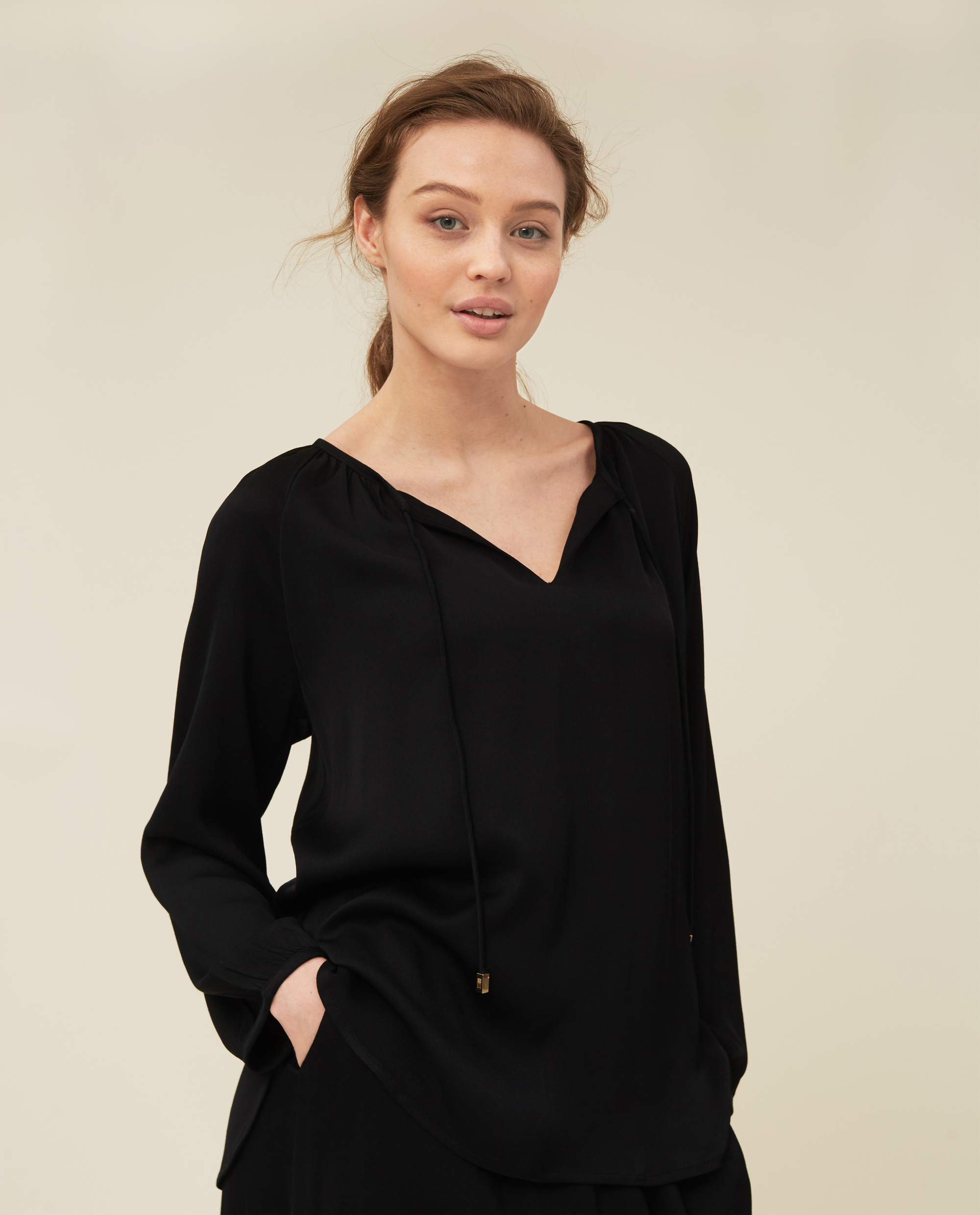 Diana Blouse, Black