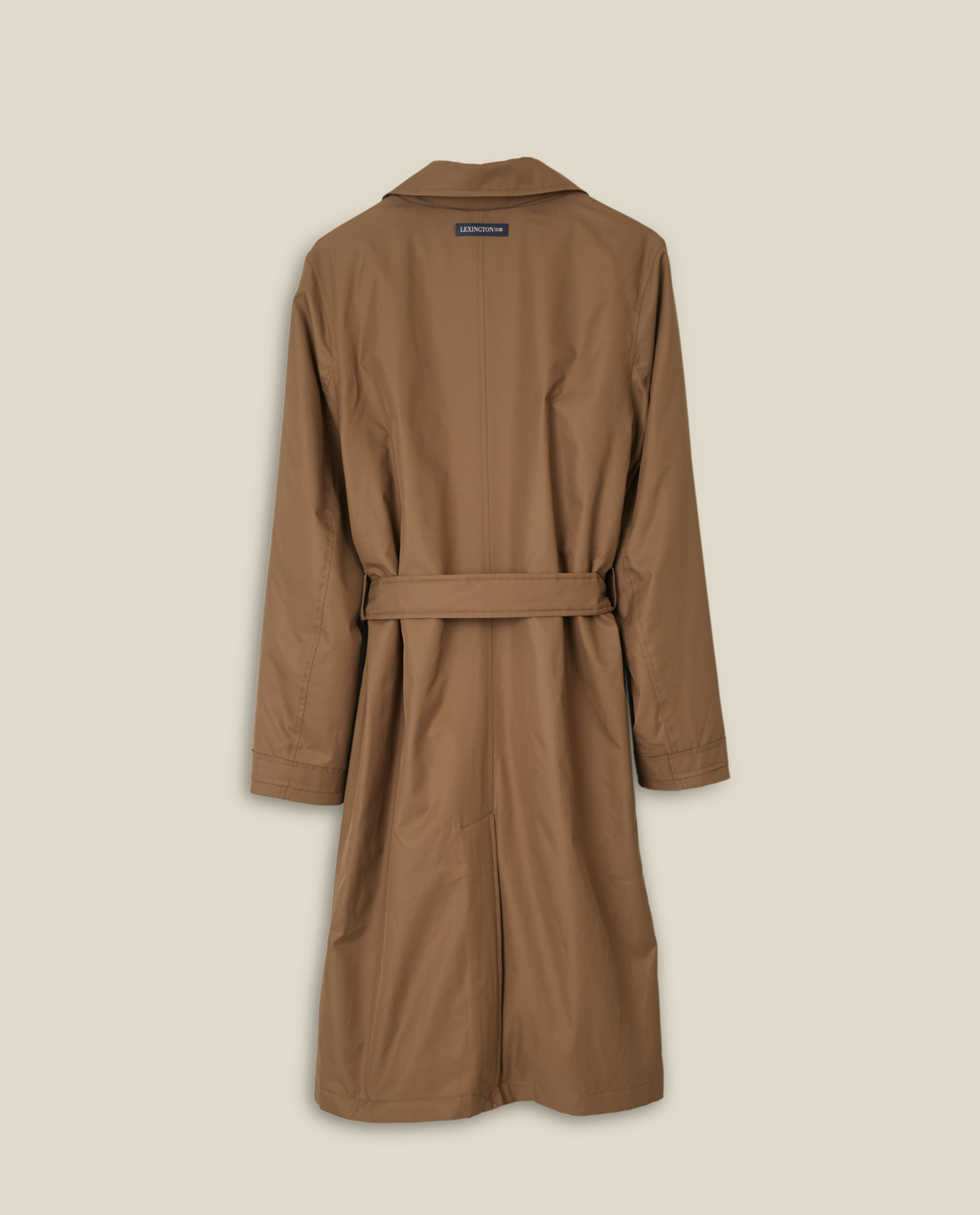 Victoria Trench, Brown