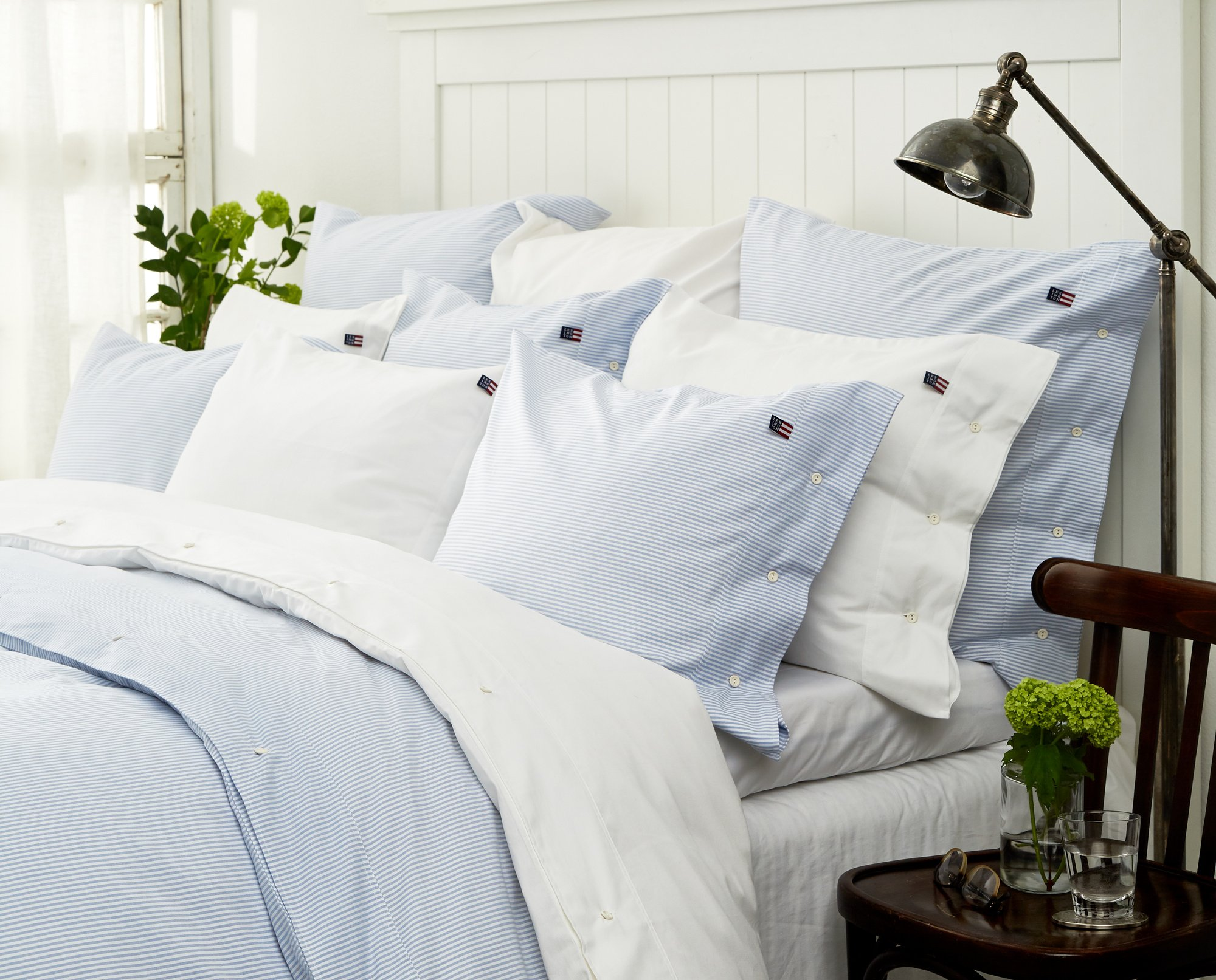 Icons Pin Point Pillowcase, Blue/White