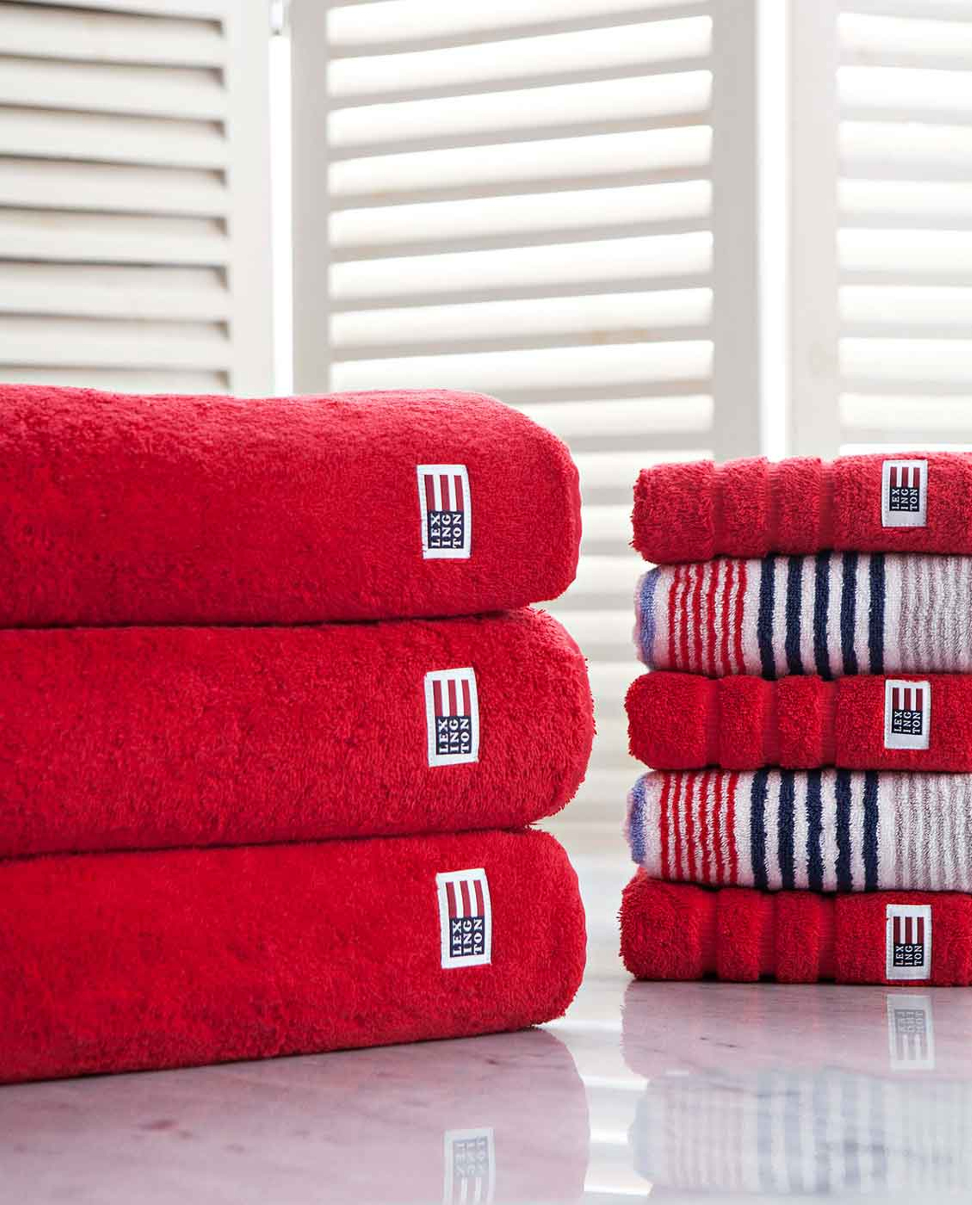 Icons Original Bath Towel Red