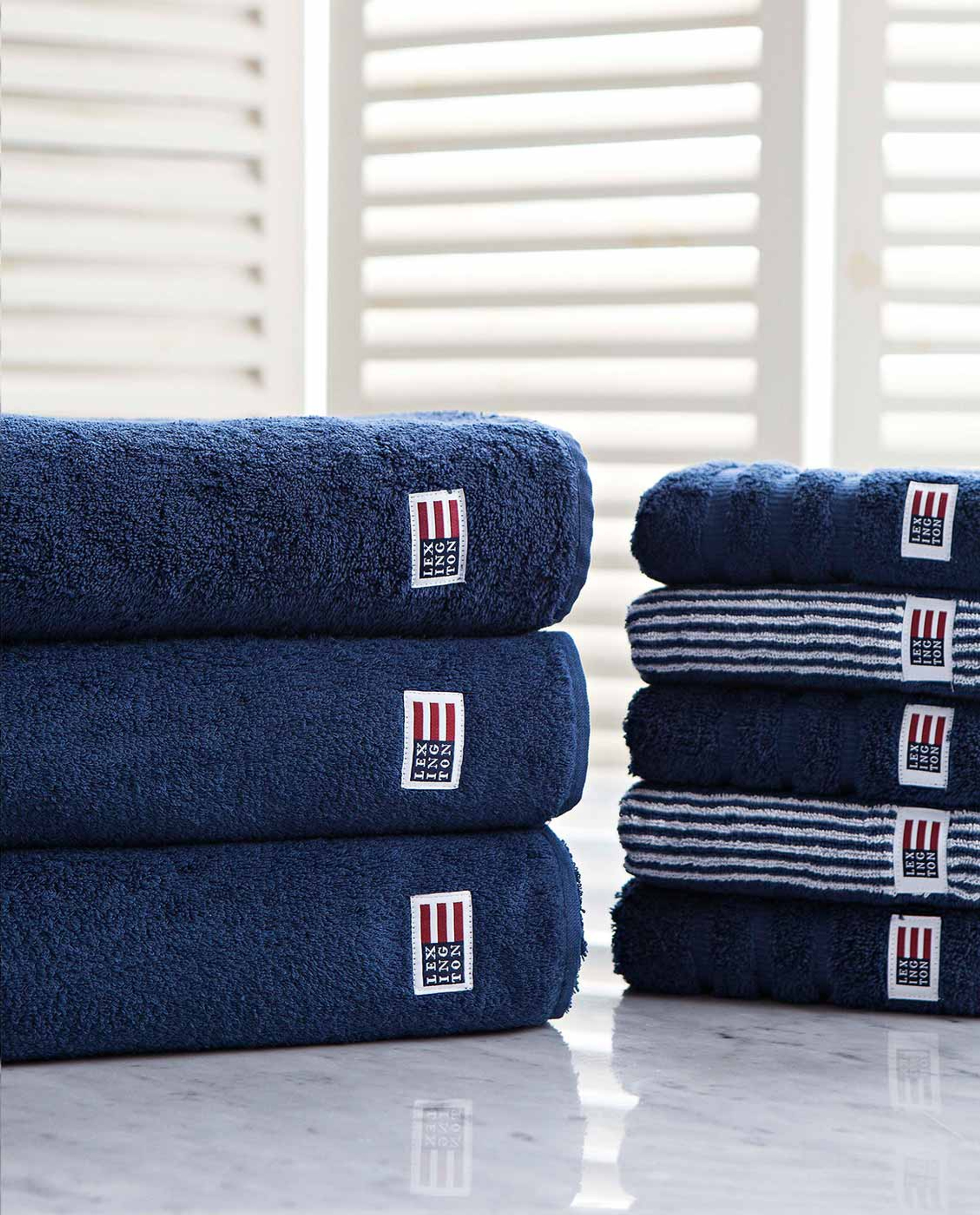 Icons Original Bath Towel Navy