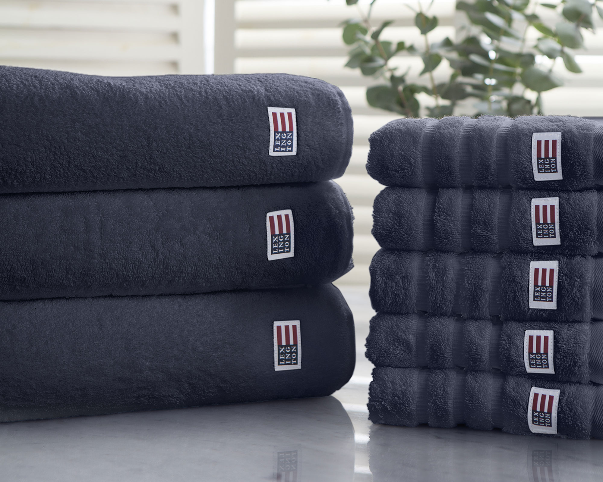cad45847 Icons Original Bath Towel Midnight Blue