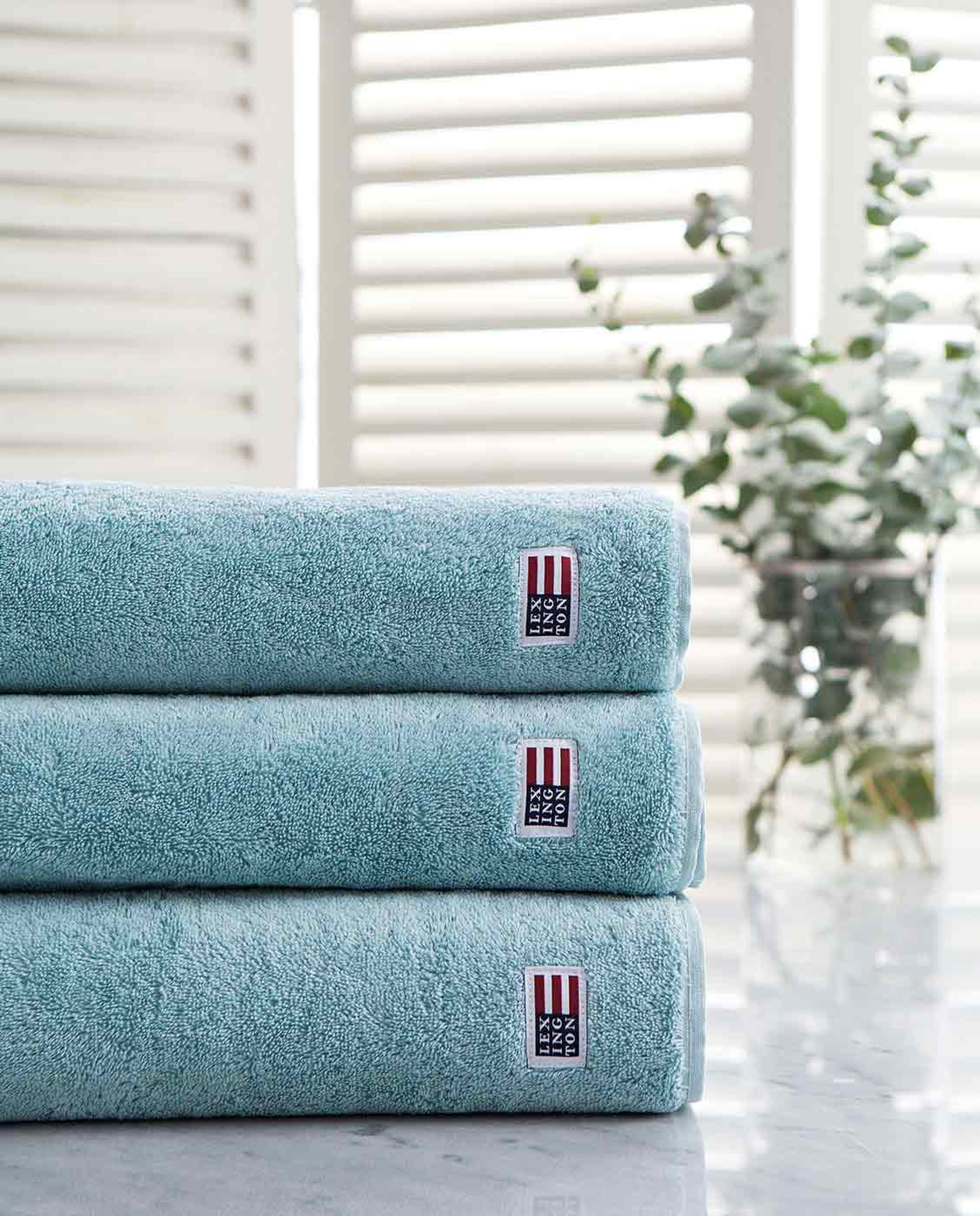 Icons Original Bath Towel Teal Blue