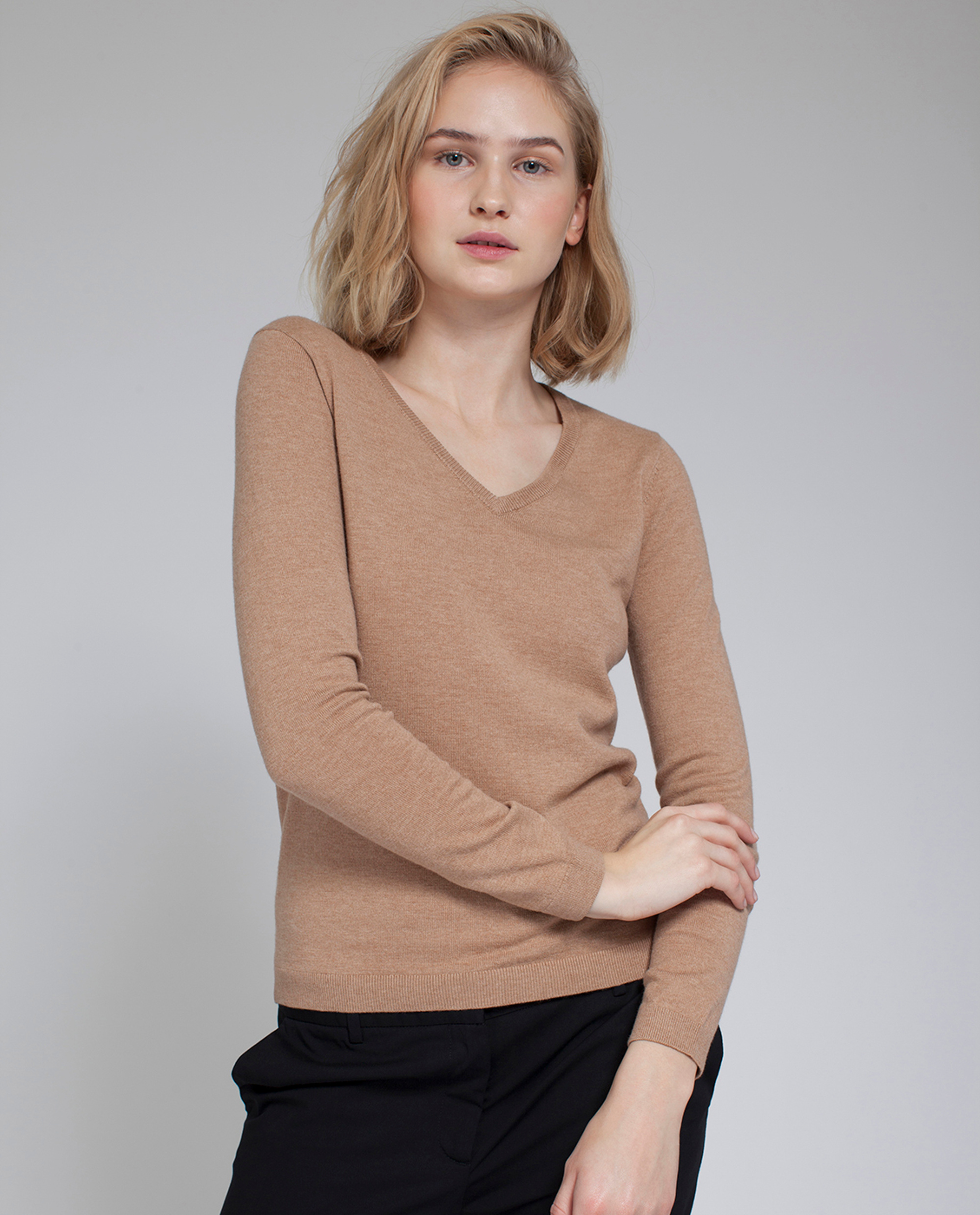 Madaleine V-neck Sweater, Camel
