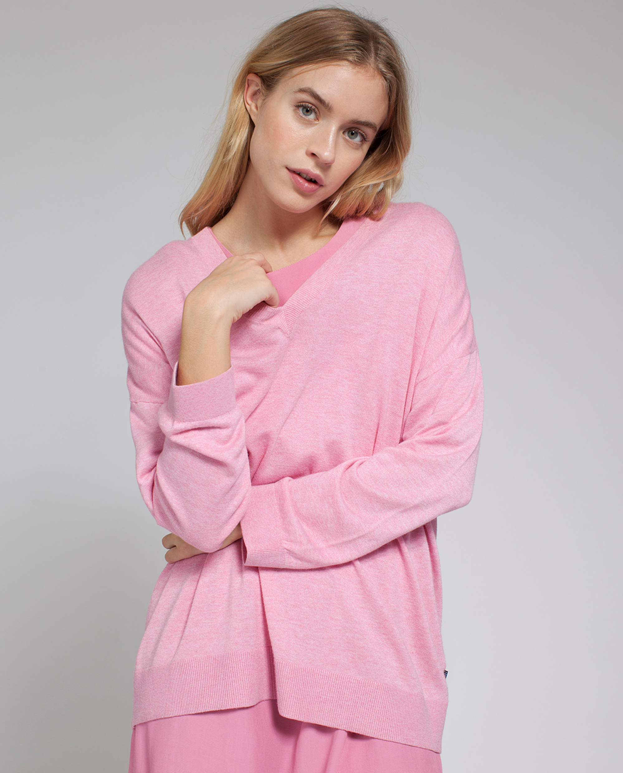 Ana V-neck Sweater, Chateau Rose Pink