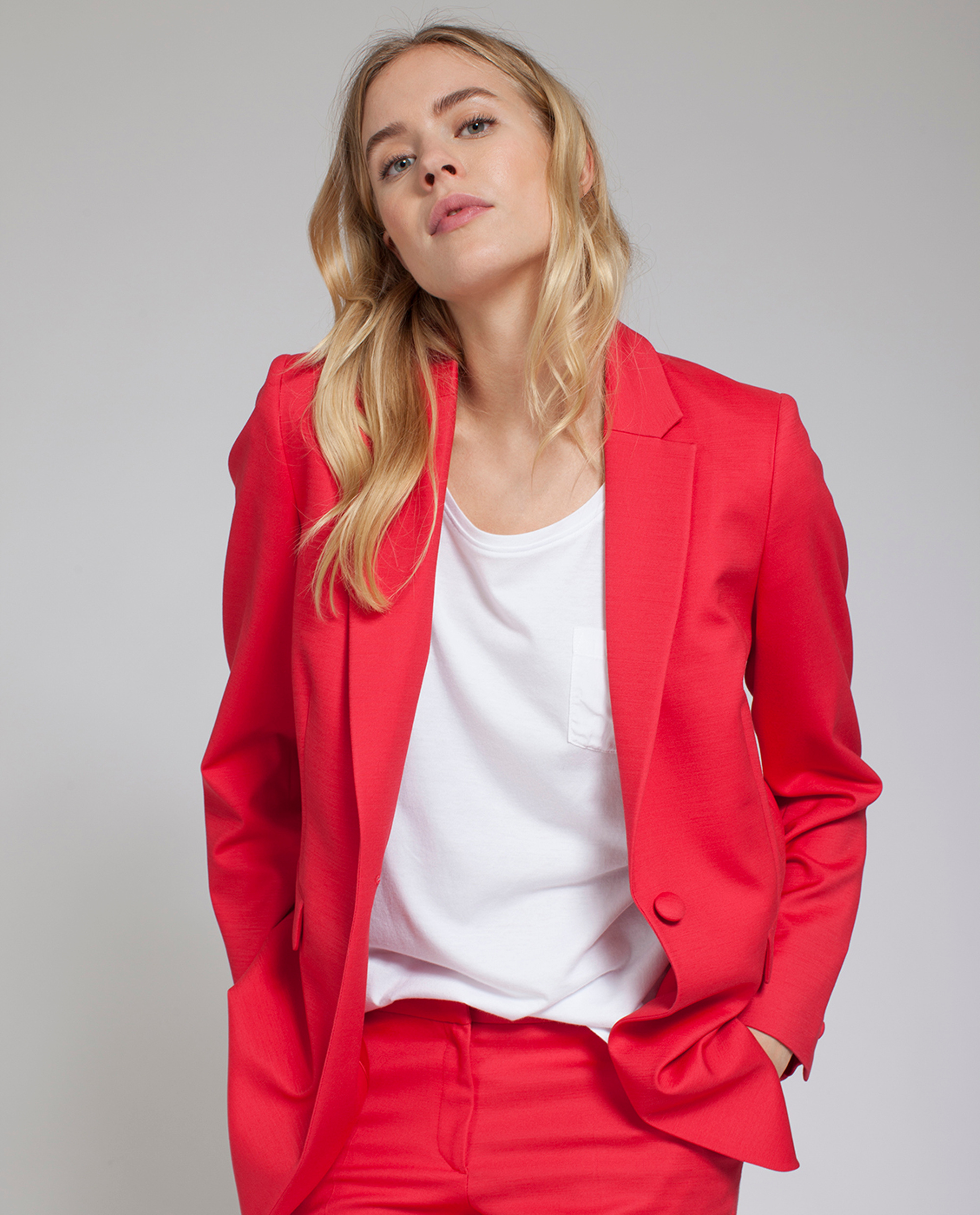 Frida Blazer, Pompeian Red