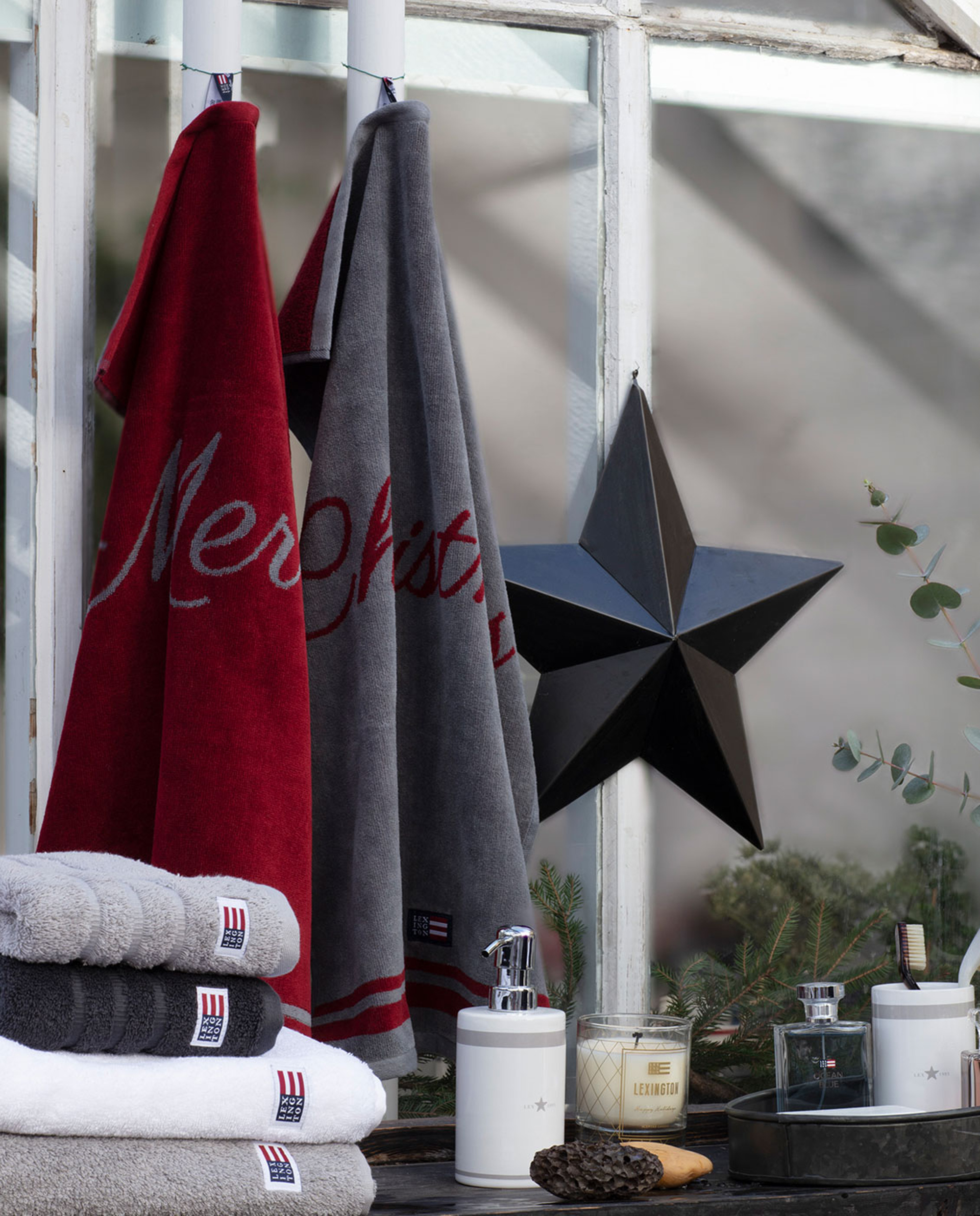 Merry Christmas Towel (Set of 2), Red/Gray