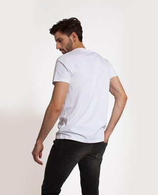 Simon Tee 1, Bright White